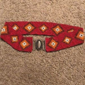 Beaded stretch belt with buckle